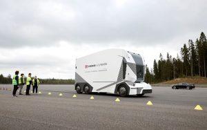Verdens første førerløse lastbil i drift - teknologikritik.dk