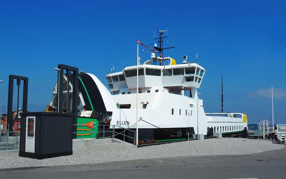 Ny elektrisk færge i drift